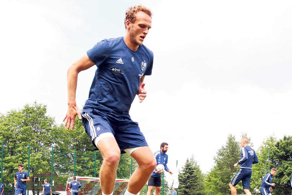 Routinier Julius Reinhardt wurde vom neuen CFC-Coach Horst Steffen als Führungsspieler auserkoren.