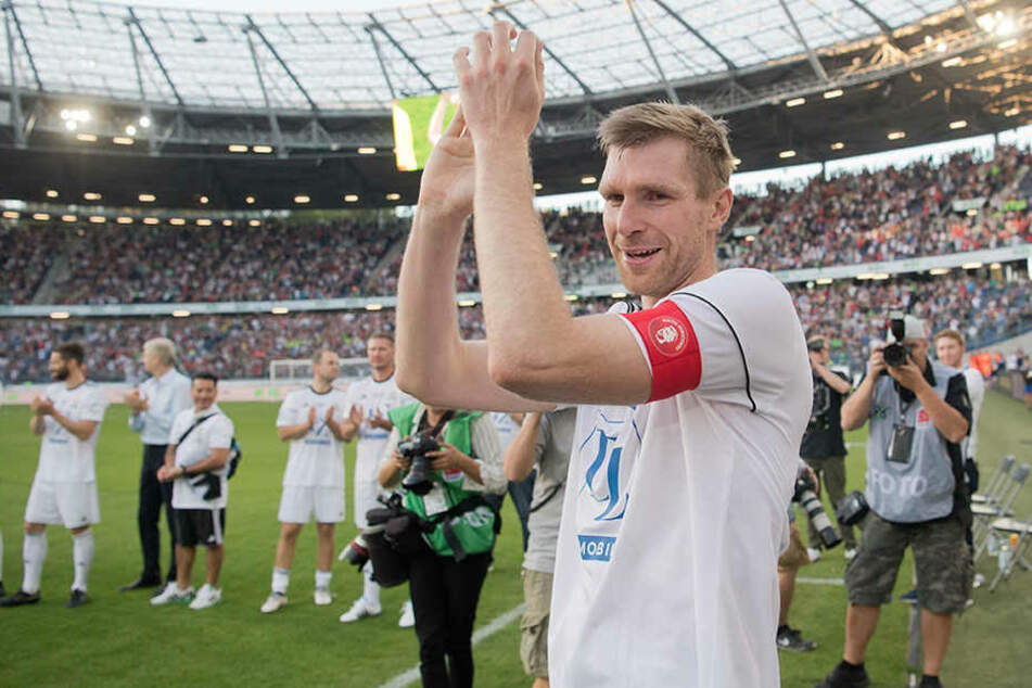 Per Mertesacker wurde bei seinem Abschiedsspiel gefeiert.