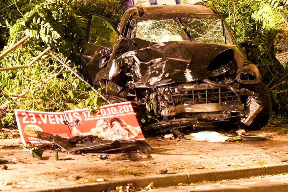Tragischer Porsche-Unfall in Berlin: Taxi-Kamera zeigt wichtiges Detail!