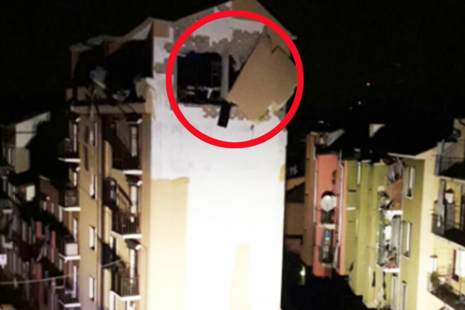 Durch die Wucht der Explosion wurde die ganze Fassade zerrissen.