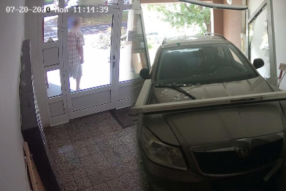 Verrückte Aktion mit Folgen! Liebeskranker fährt mit Auto in Wohnhaus
