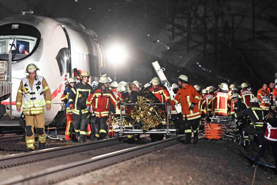 Zugunglück: 800 Rettungskräfte proben für den Ernstfall