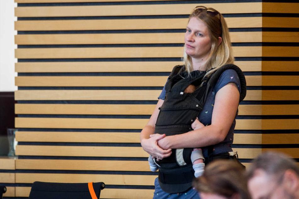 Madeleine Henfling durfte die dreitägige Sitzung nicht mehr betreten, wenn sie ihren kleinen Sohn dabei hat.