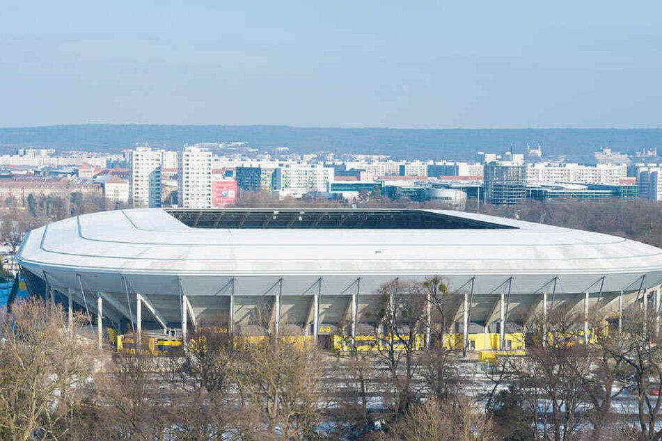 Im Dresdner DDV-Stadion könnten sich dann die besten Nationalmannschaften Europas messen.