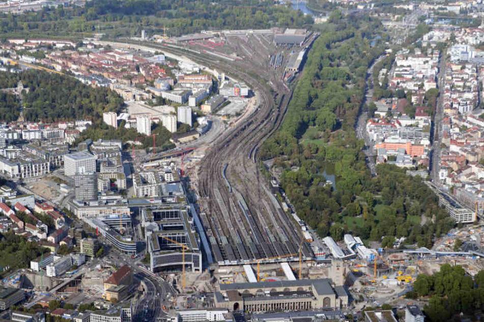 """Bis Ende 2025 soll der Bahnknoten Stuttgart im Rahmen des Projekts """"Stuttgart 21"""" neu geordnet sein."""