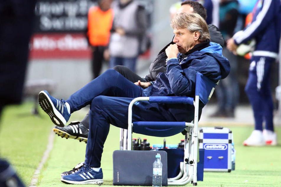 Trainer Horst Steffen war am Ende der Partie gegen Bremen enttäuscht, weil sein Team einen Auswärtssieg verschenkte.
