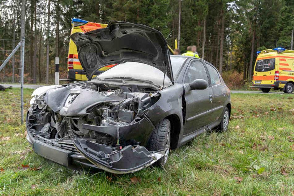 Bei dem Unfall entstand Sachschaden in Höhe von etwa 15.000 Euro.