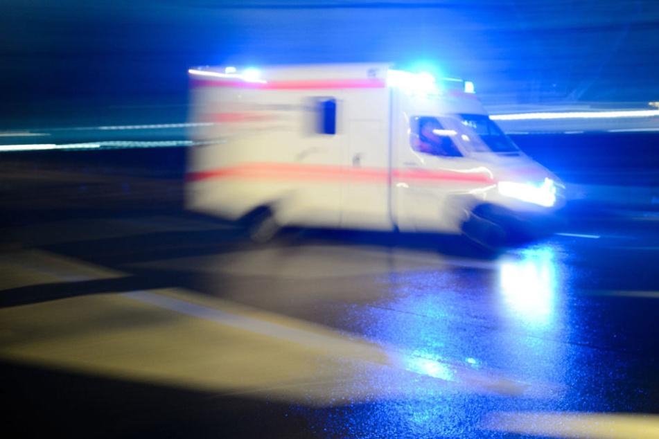 Kind von Auto überrollt und schwer verletzt (Symbolbild).