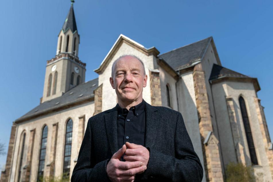 Martin Schanz (55), Pfarrer der Gemeinde Chemnitz-Rabenstein/Rottluff, muss seine Trauerzeremonien den aktuellen Vorschriften anpassen.