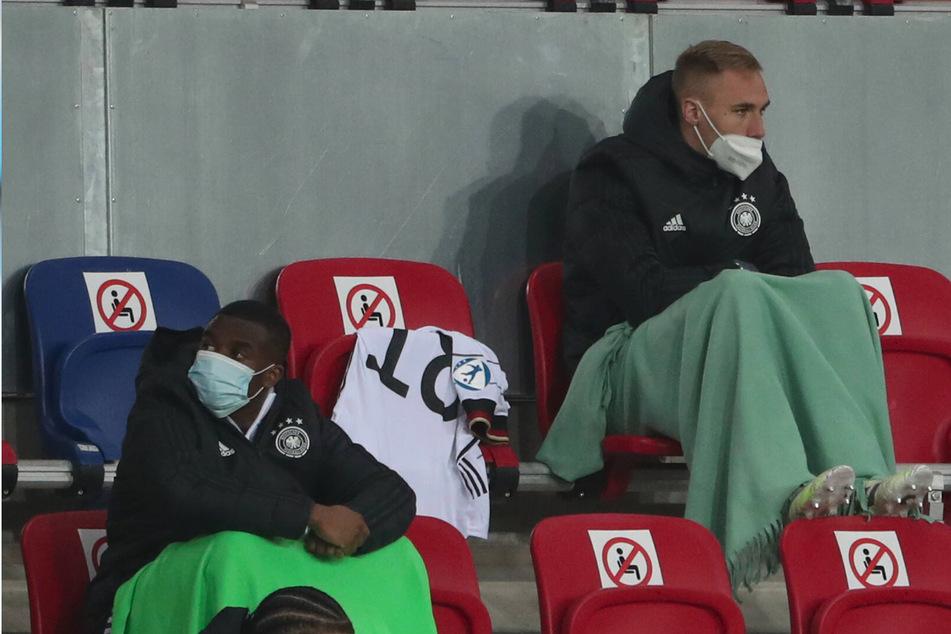 Die ersten 67 Minuten musste Florian Krüger (22, r.) auf der Tribüne Platz nehmen.