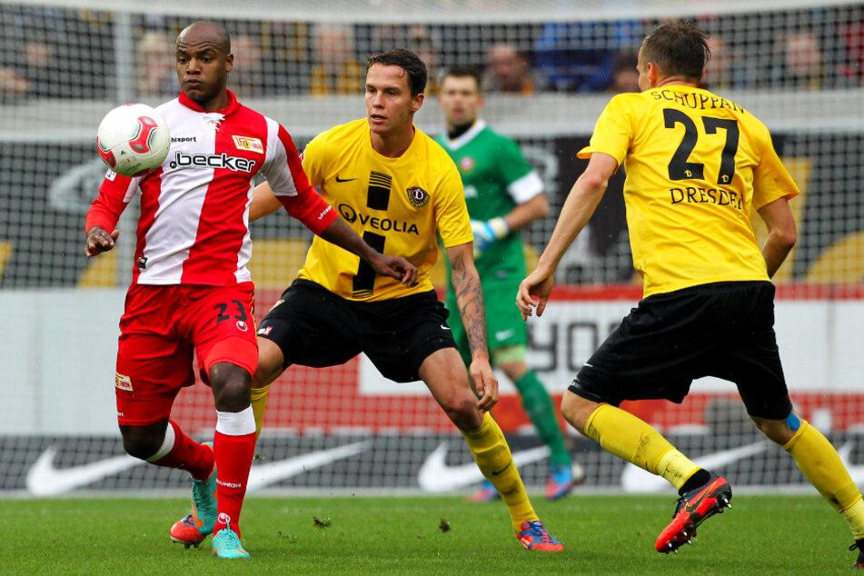 Bjarne Thoelke (28, 2.v.l.) spielte in der Saison 2012/13 für Dynamo Dresden, kam aber - auch verletzungsbedingt - nur zu sechs Einsätzen für die Profis.