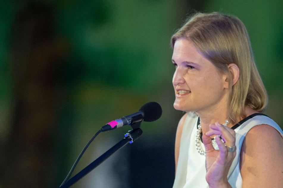 """Katrin Ebner-Steiner (AfD), Vorsitzende der Partei """"Alternative für Deutschland"""" im bayerischen Landtag."""