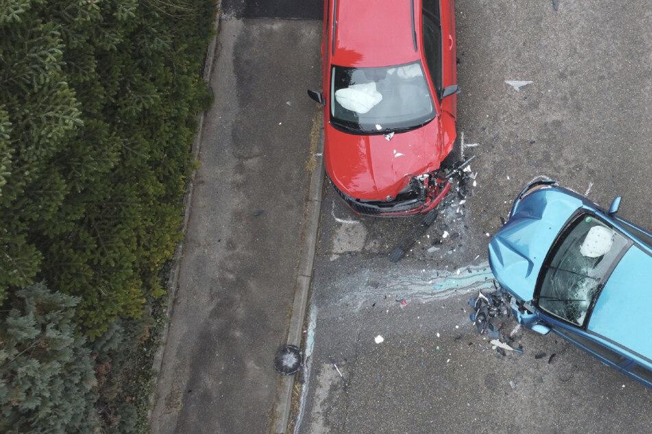 Frontalzusammenstoß durch Sekundenschlaf: 27-Jähriger schwer verletzt