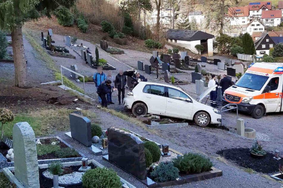 Ein Blick auf die Folgen des kuriosen Unfalls.