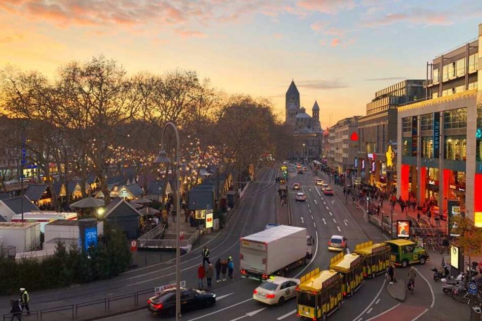Weihnachtsmarkt-Hopping: Kölner Bimmelbahn fährt die beliebtesten an