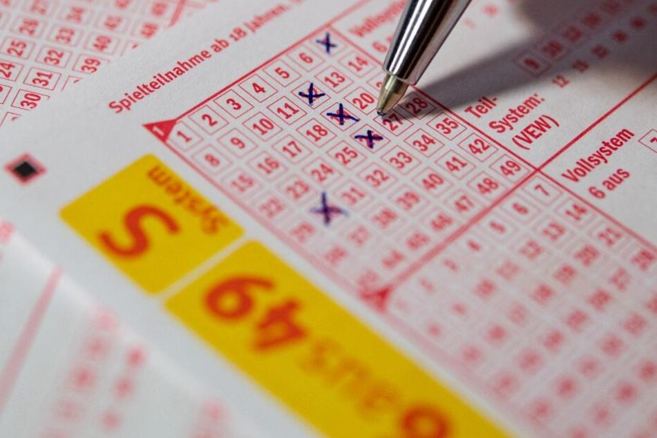 Ob der 23-Jährige wirklich zwei Millionen Euro im Lotto gewonnen hat, ist unklar. (Symbolbild)
