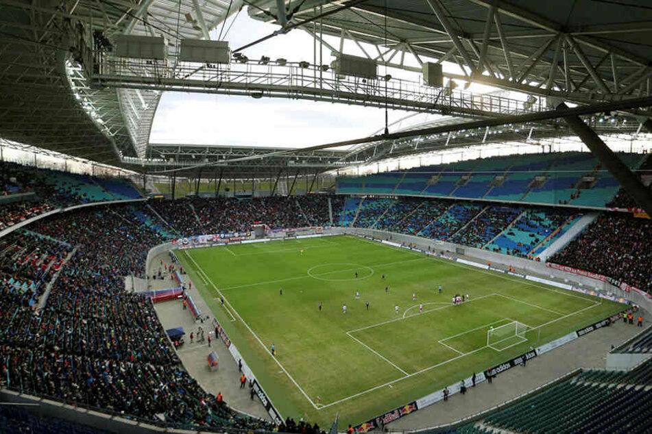Die Red-Bull-Arena bietet 43.000 Zuschauern Platz.