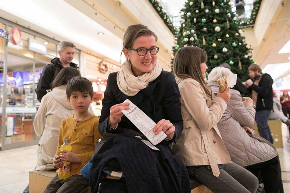Ortsbeirätin Benita Horst (39) hat günstige Klamotten für die Kinder gekauft.