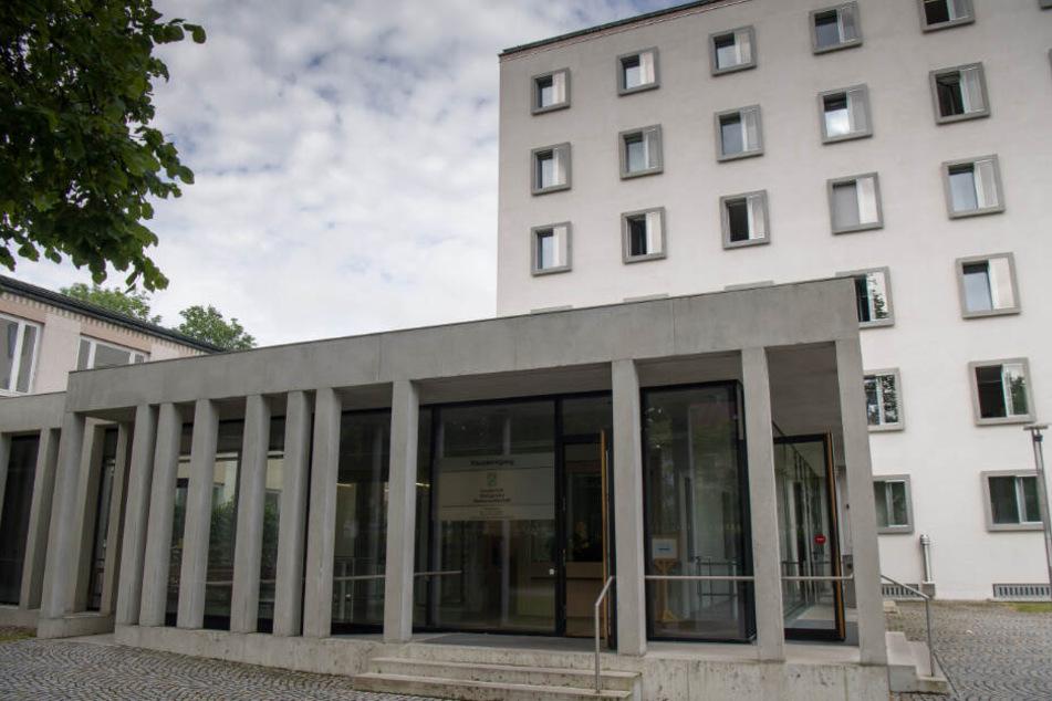 Vor dem Schwurgericht des Landgerichts Traunstein mussten sich drei Männer verantworten. (Archiv)