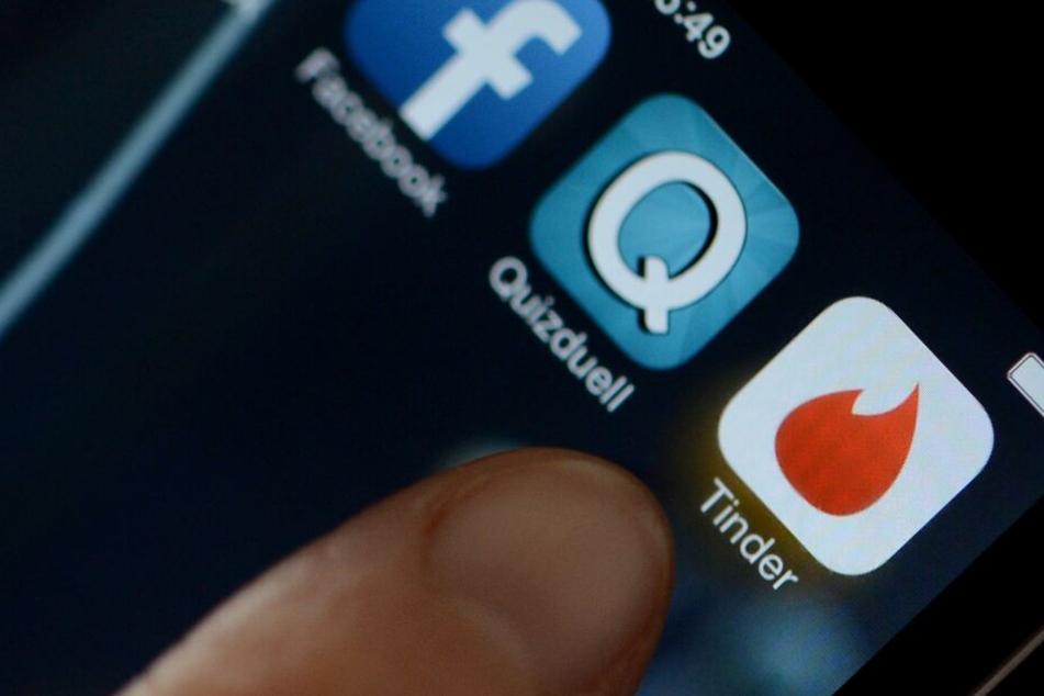 Über soziale Netzwerke nahm der junge Mann Kontakt zu seinen Opfern auf. (Symbolbild)