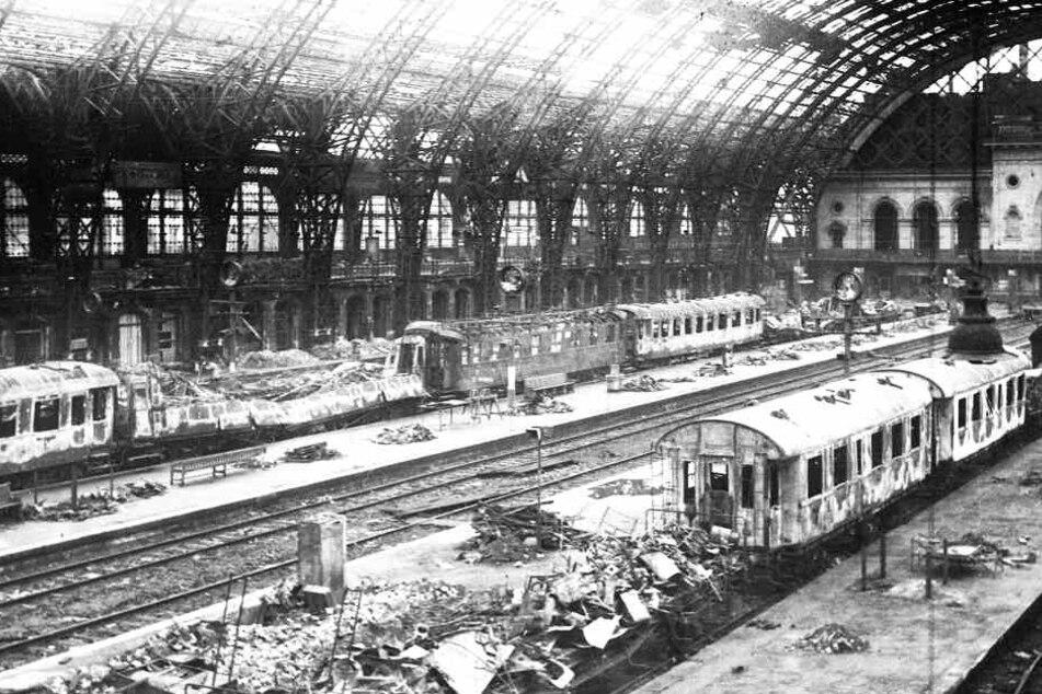 Vom Bahnhof blieb 1945 nicht viel übrig.