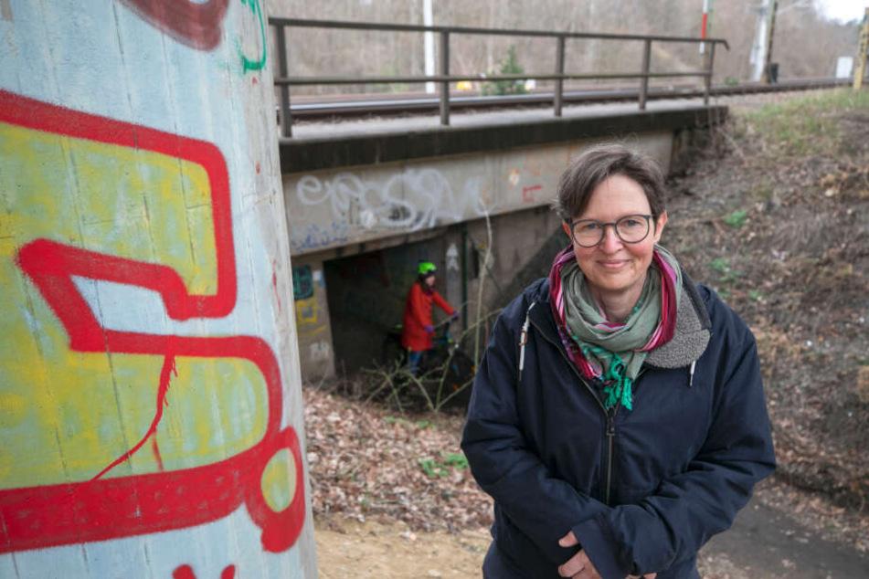 Ulrike Caspary (52, Grüne) kämpft mit den Anwohnern für den Erhalt des Heidetunnels.