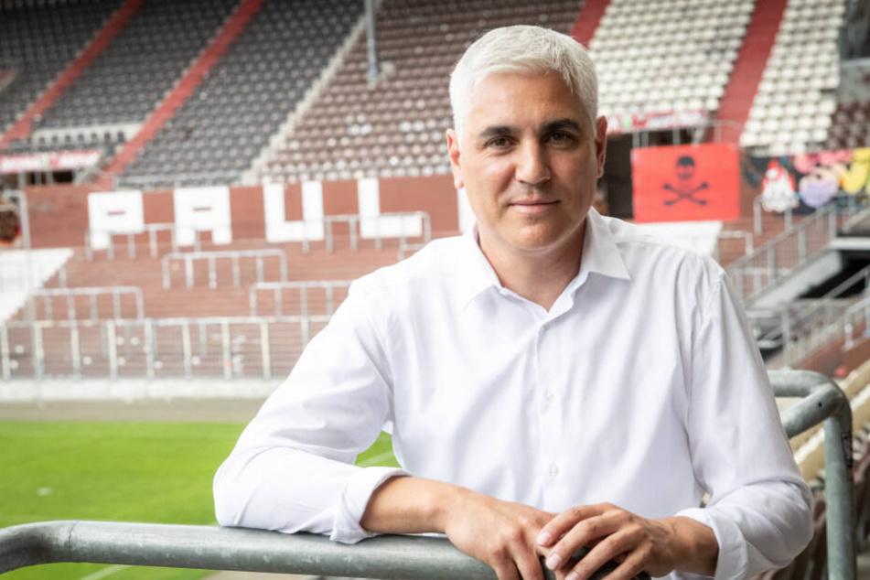 Bei der Vorstellung zum neuen Sportchef hatte Andreas Bornemann noch gute Laune.