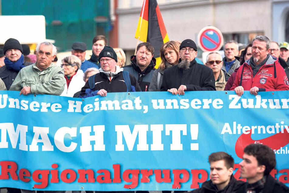 Durch das Erstarken der AfD in Sachsen sind die anderen Parteien alarmiert. Dulig gehört zu denen, die schon früh das Gespräch auch mit Unzufriedenen gesucht haben.