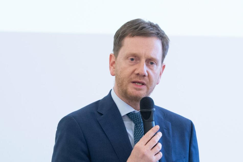Michael Kretschmer (CDU), Ministerpräsident von Sachsen, spricht im März zu den Teilnehmern einer Informationsveranstaltung für sächsische Bürgermeister und Landräte im sächsischen Wissenschaftsministerium.