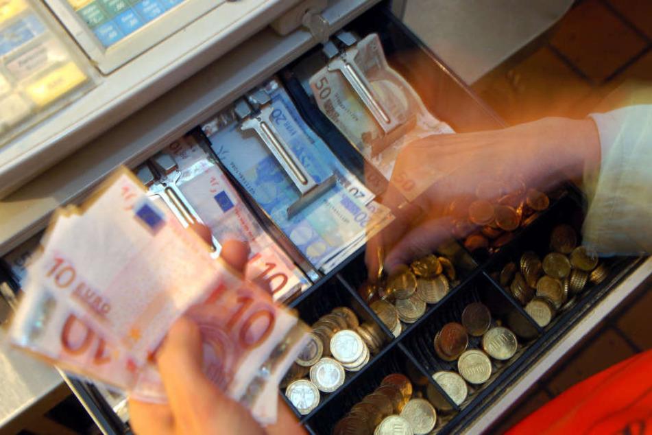 Mehr Finanzbeamte sind nun auch Kassensystem-Prüfer. (Symbolbild)