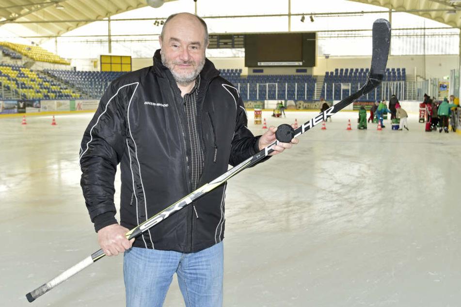 Hans-Jürgen Rutsatz, früher Vorstandschef beim Eishockeyklub ESV Chemnitz 03, fordert die Abberufung von Klaus Siemon als CFC-Insolvenzverwalter.