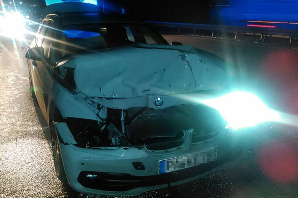 Mindestens vier Personen sollen sich bei dem Unfall verletzt haben.