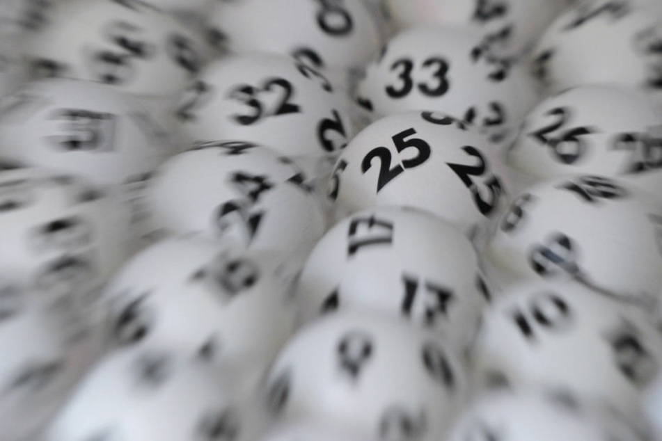 Glückspilz hatte als Einziger alle richtigen Zahlen und gewinnt Millionen