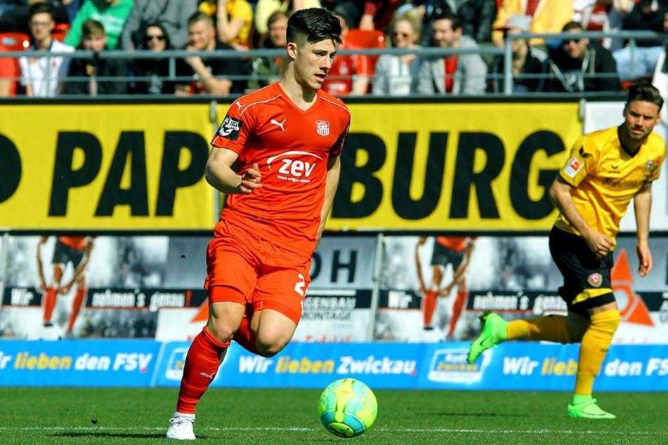 Eigengewächs Julian Hodek hat beim FSV Zwickau einen Zwei-Jahres-Vertrag unterschrieben.