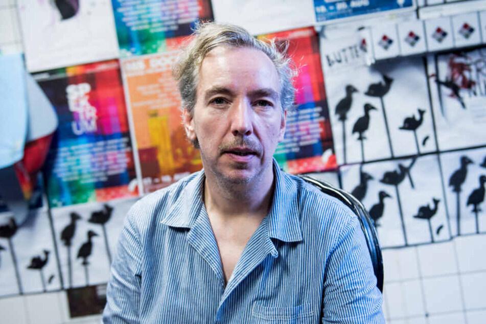 Olli Schulz ist Meister der Anekdoten und Inszenierung.