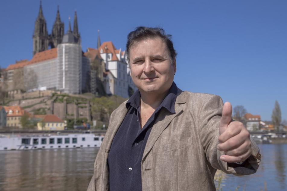 Eben noch in Thailand, jetzt in Sachsen: In Meißen hatte Rocksänger Ritchie Newton (54) sein erstes Comeback-Engagement.