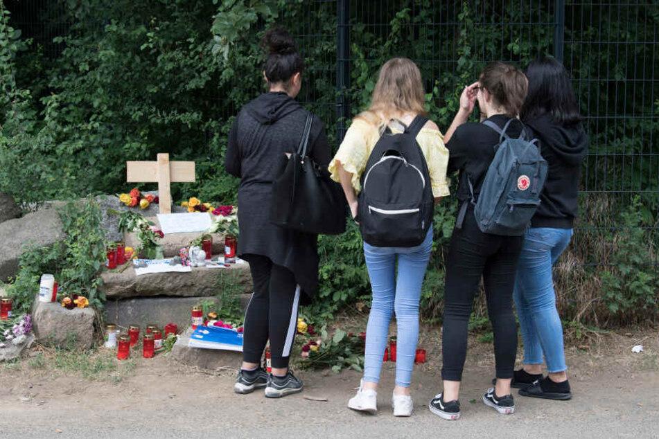 Die Schule plant zudem eine interne Trauerfeier.