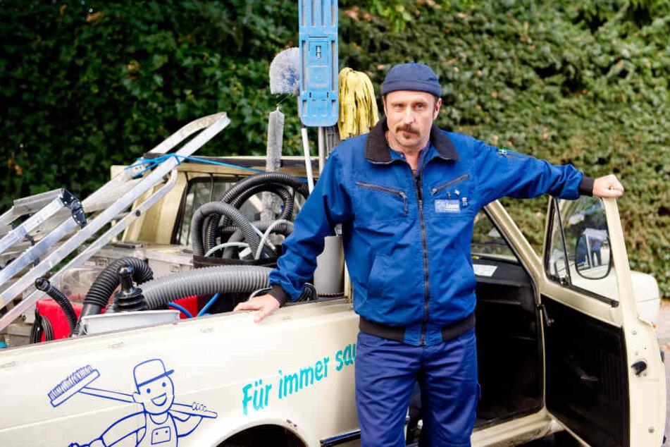 Schauspieler Bjarne Mädel hat seit fast sieben Jahren die Rolle des Tatortreinigers Heiko Schotte.