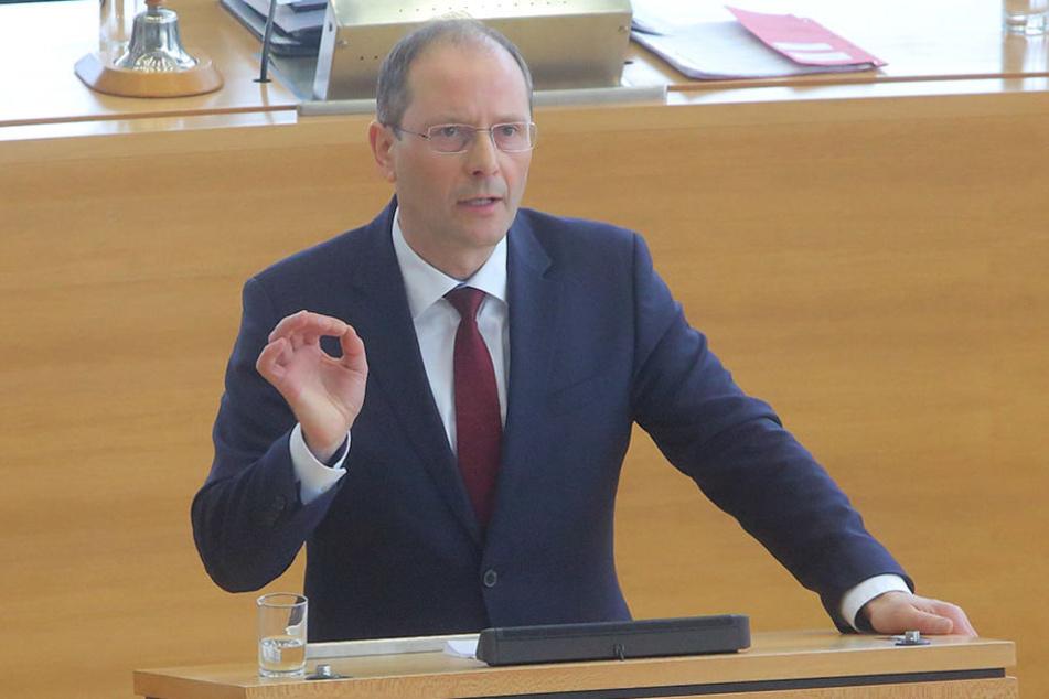 Markus Ulbig (52, CDU) begrüßt das Urteil gegen die Raser von Berlin.