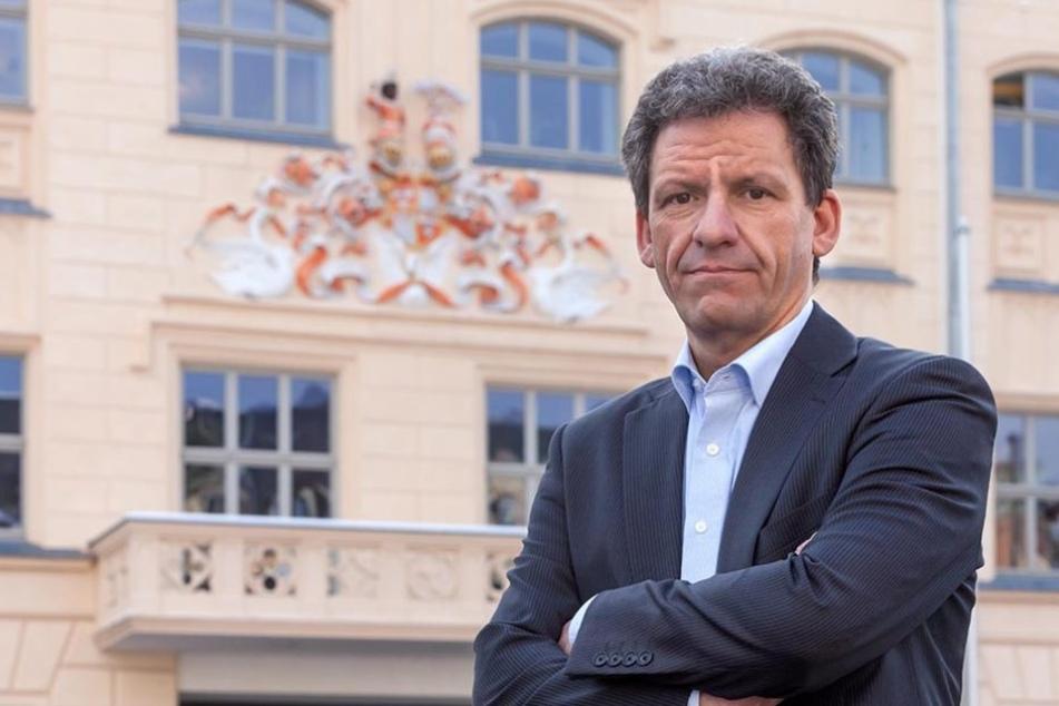 Zwickaus Pressesprecher Mathias Merz (46) erklärt den Sommerendspurt der  Stadt beim Thema Straßenbaustellen.