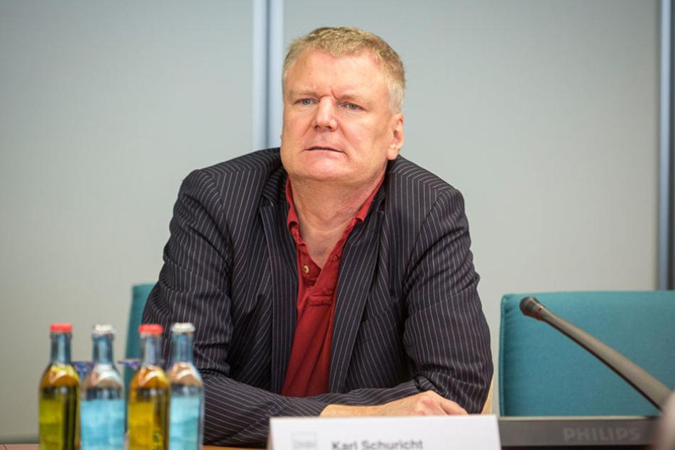 Karl Schuricht freut sich über die tolle Bewertung der Dresdner Rathaus-Pressestelle.
