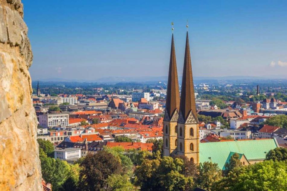 Bielefeld gibt es nicht, zumindest ist Facebook seit Mittwochabend dieser Ansicht.