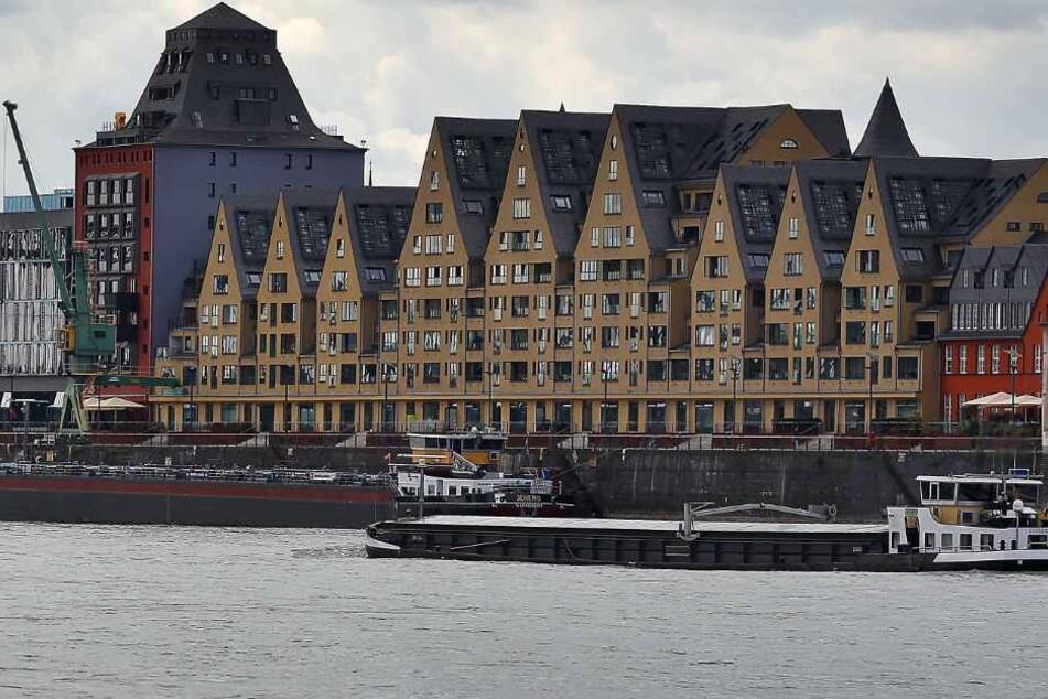 Im Rheinauhafen-Konflikt hat Bezirksbürgermeister Andreas Hupke die Binnenschiffer zu einer Aktuellen Stunde eingeladen.