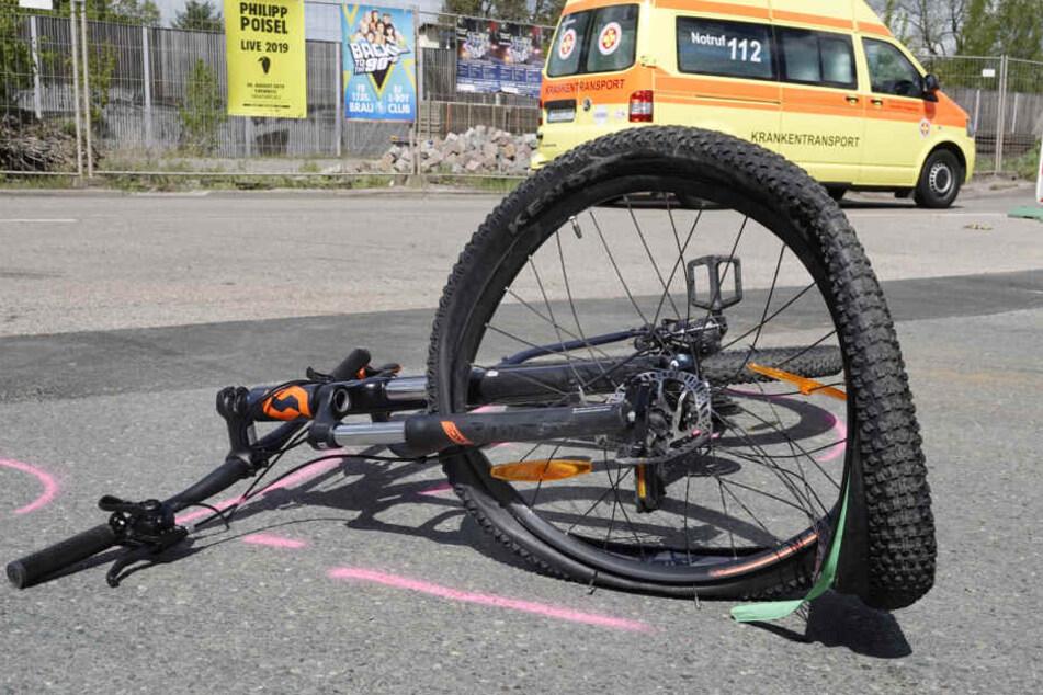 Das Fahrrad war nach dem Unfall komplett demoliert.