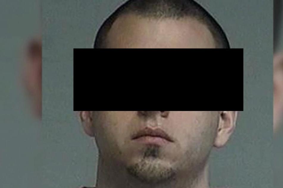 Robert M. (27) machte unschuldige Mädchen zu Sexsklaven und verdiente sich dadurch eine goldene Nase.