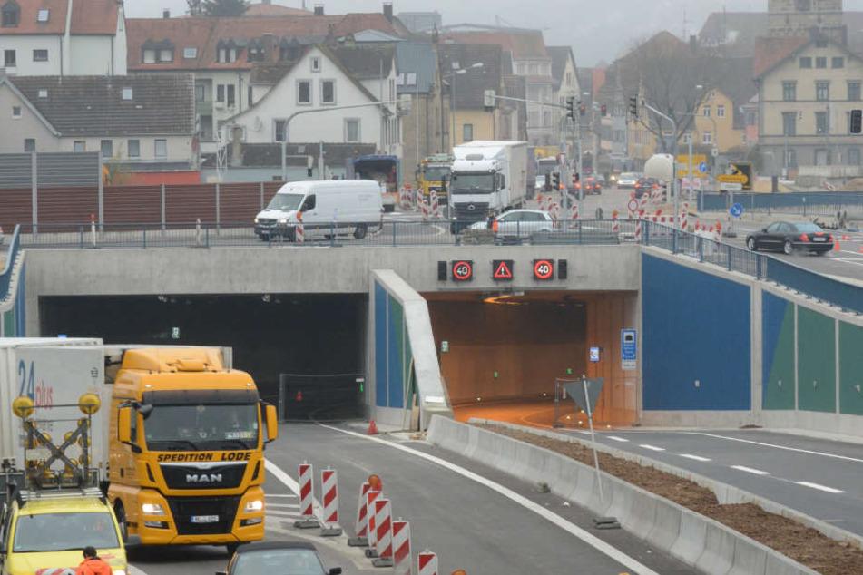 800 Brummi-Fahrer kassierten durch den Blitzer im Einhorntunnel sogar Punkte.