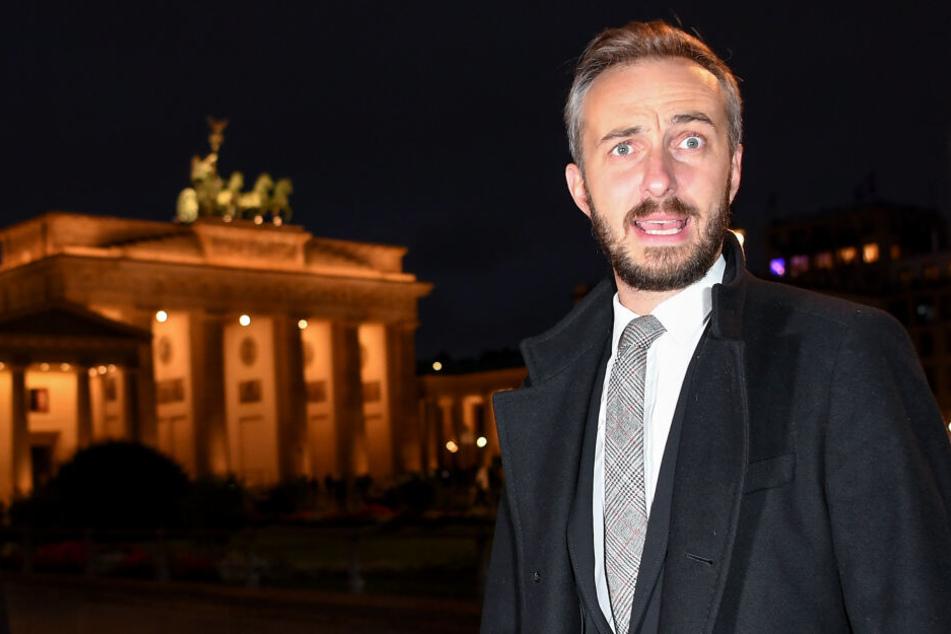 Fernsehsatiriker Jan Böhmermann (38) verklagt die Bundeskanzlerin.