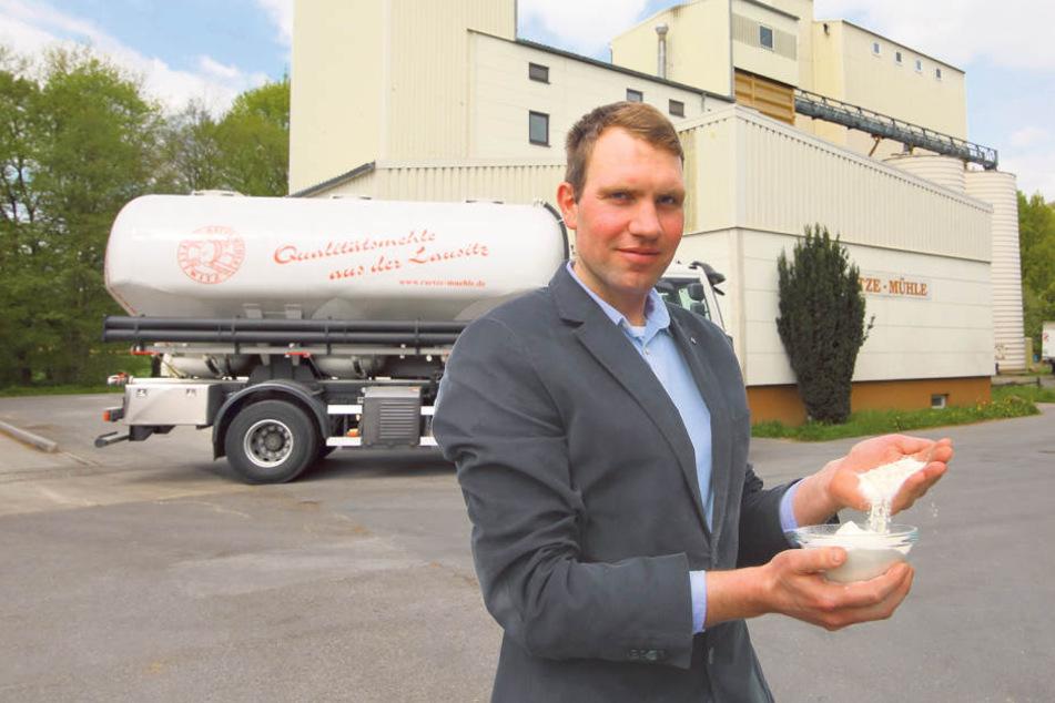 Müllermeister Sebastian Unger (28) an der Rätze-Mühle, aus der seit 20 Jahren  das Backhaus Dresden mit erstklassigem Mehl beliefert wird.