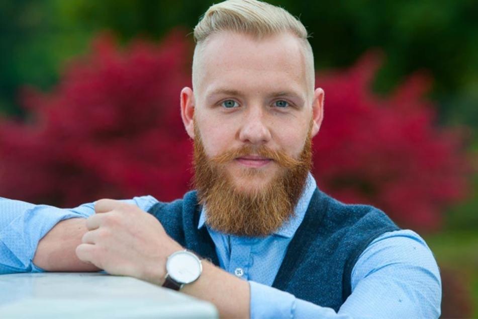 """Seit einem Jahr ist Fabian Brust (25) selbst überzeugter Bartträger. Seine Pflegeserie """"Bartbarossa"""" ist was für echte Kerle!"""