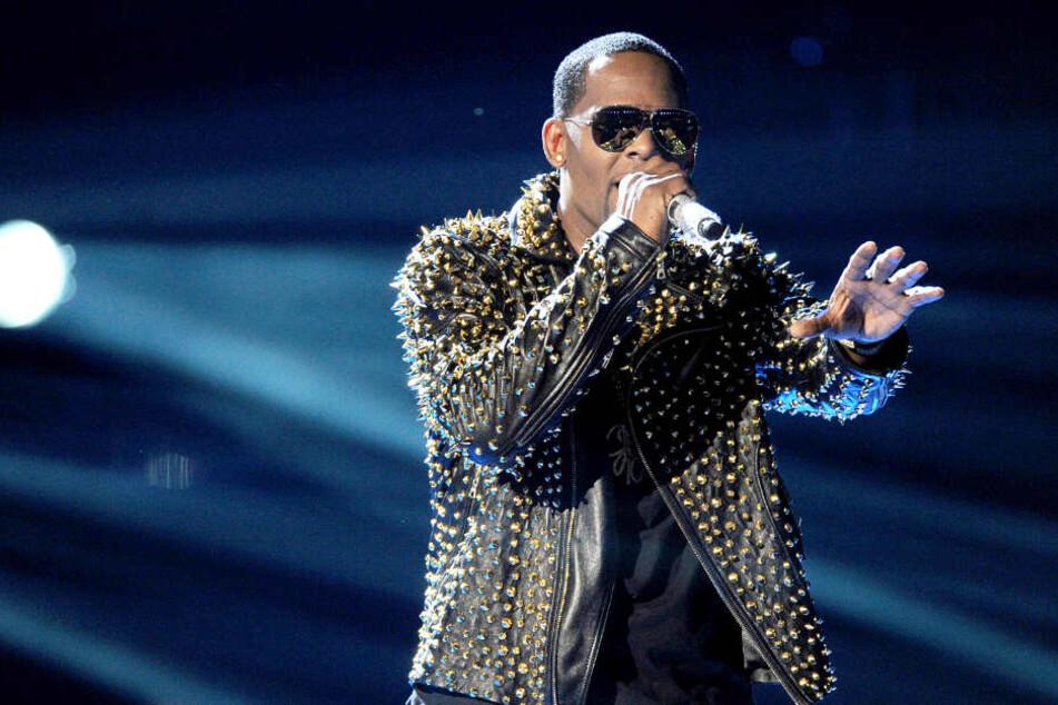 R. Kelly soll eigentlich im April in Hamburg auftreten, doch das steht auf der Kippe.